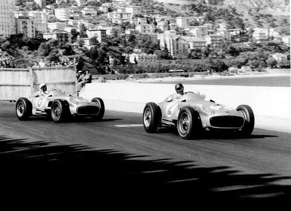 Fangio leads Moss, Mercedes-Benz W196, Monaco 1955